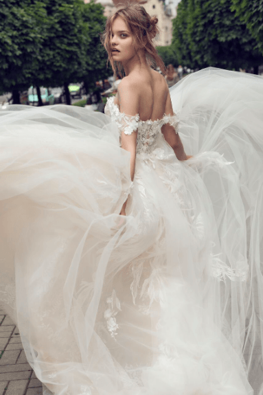 juliet-noya-by-riki-dalal-aline-beading-central-weddings-long-sleeves-hong-kong-four-seasons-peninsula-ball-gown-off-shoulder