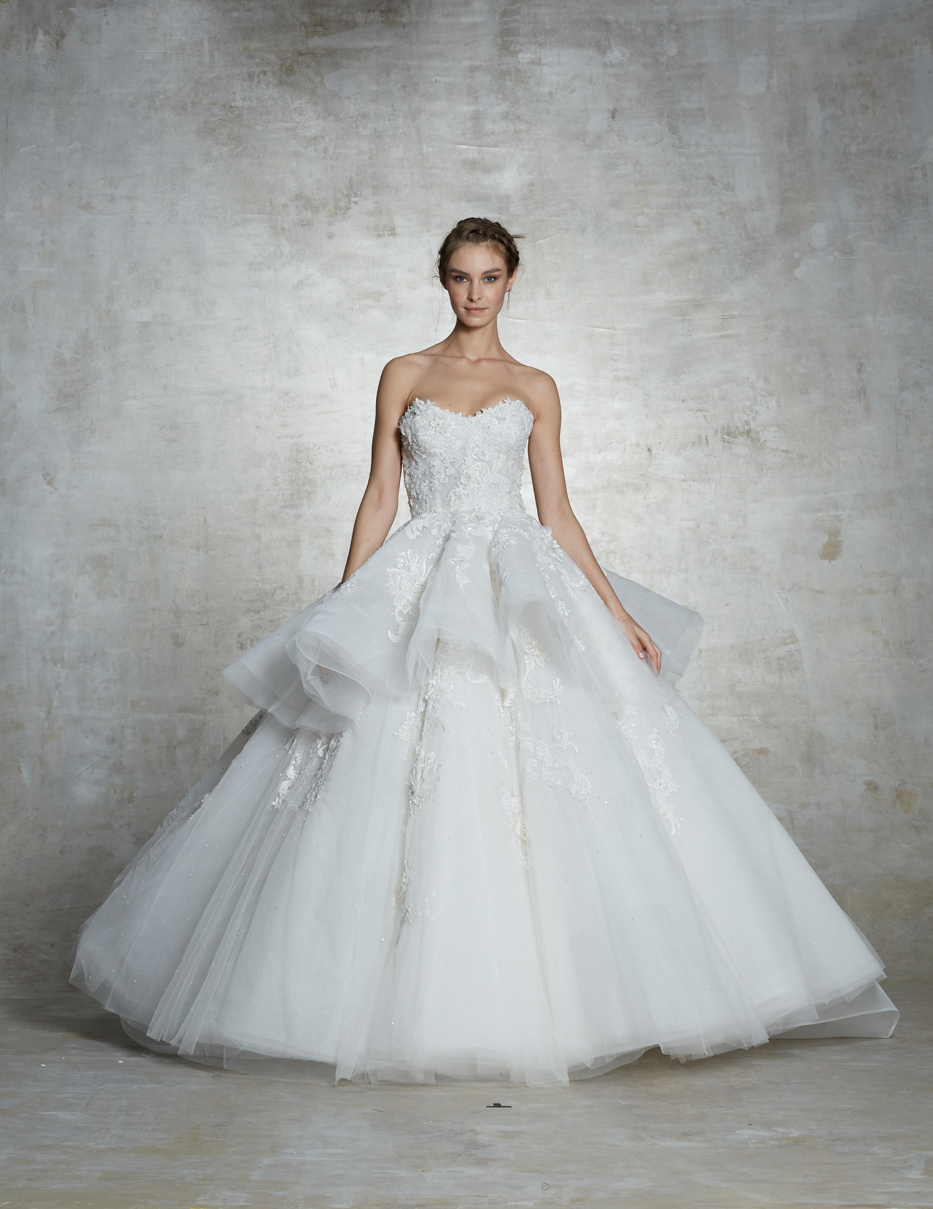 3e750e447cfa White By Vera Wang Wedding Dress With Rosettes - raveitsafe